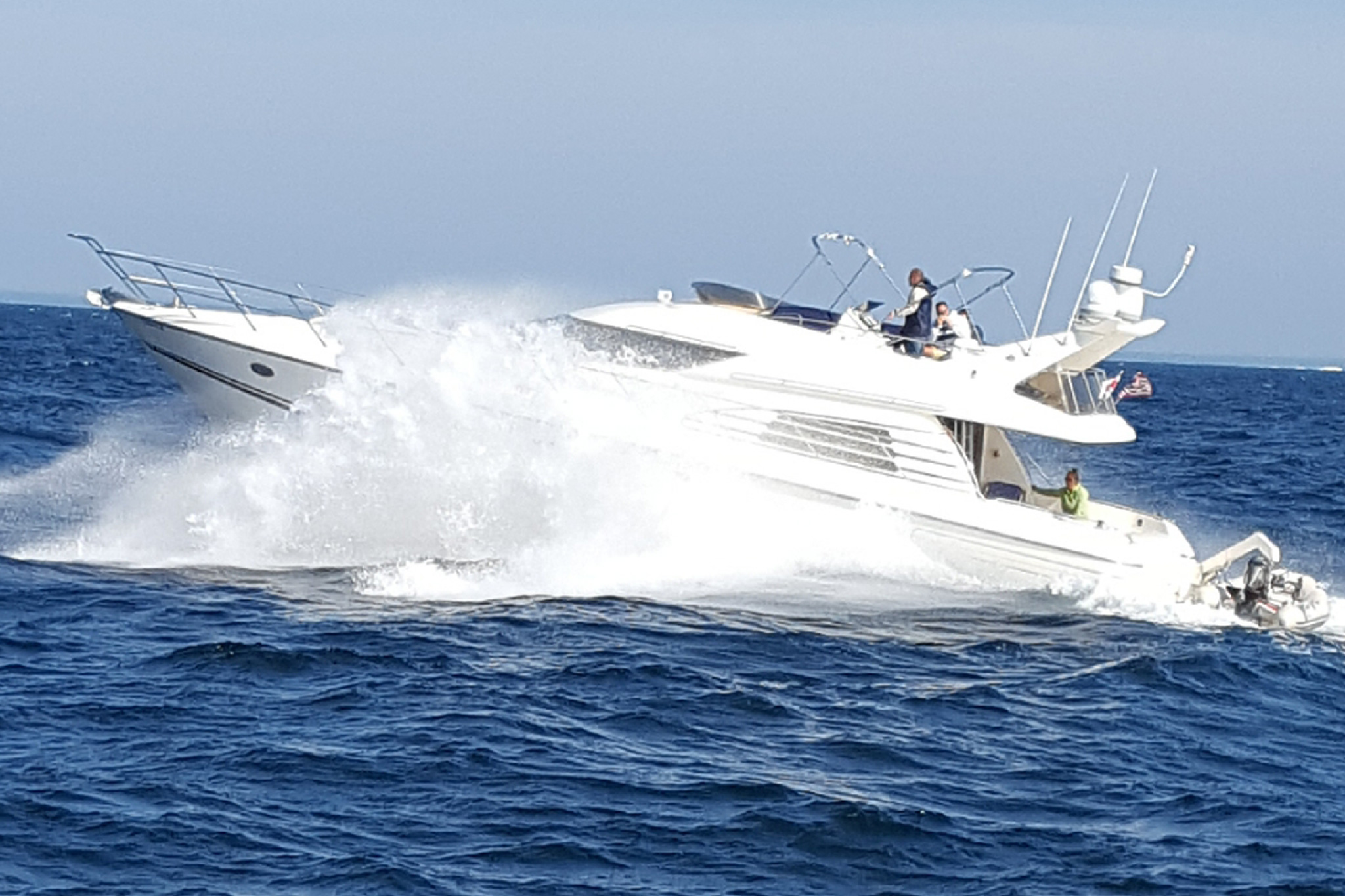 personalized-yacht-charters-02