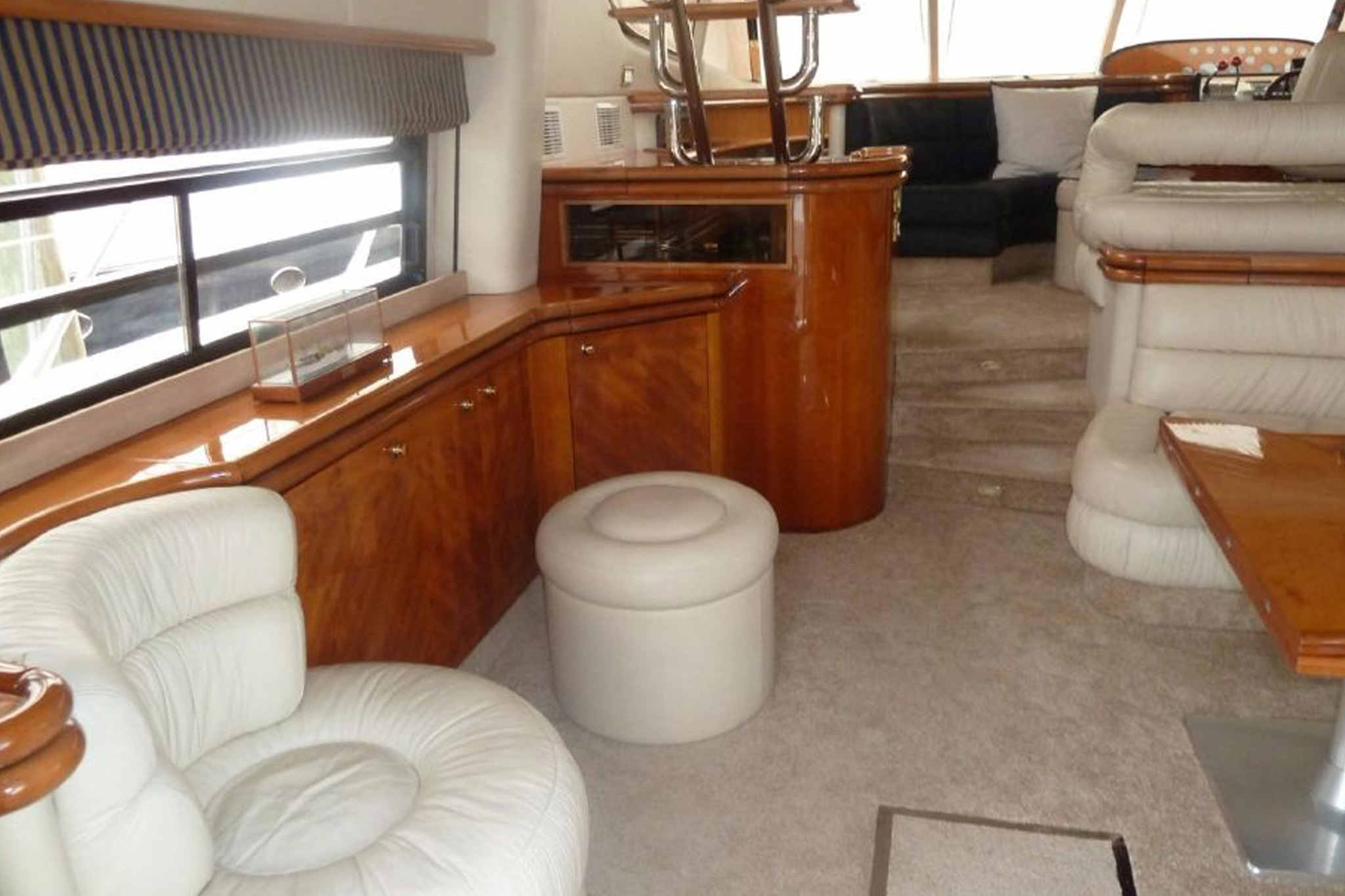 personalized-yacht-charters-03