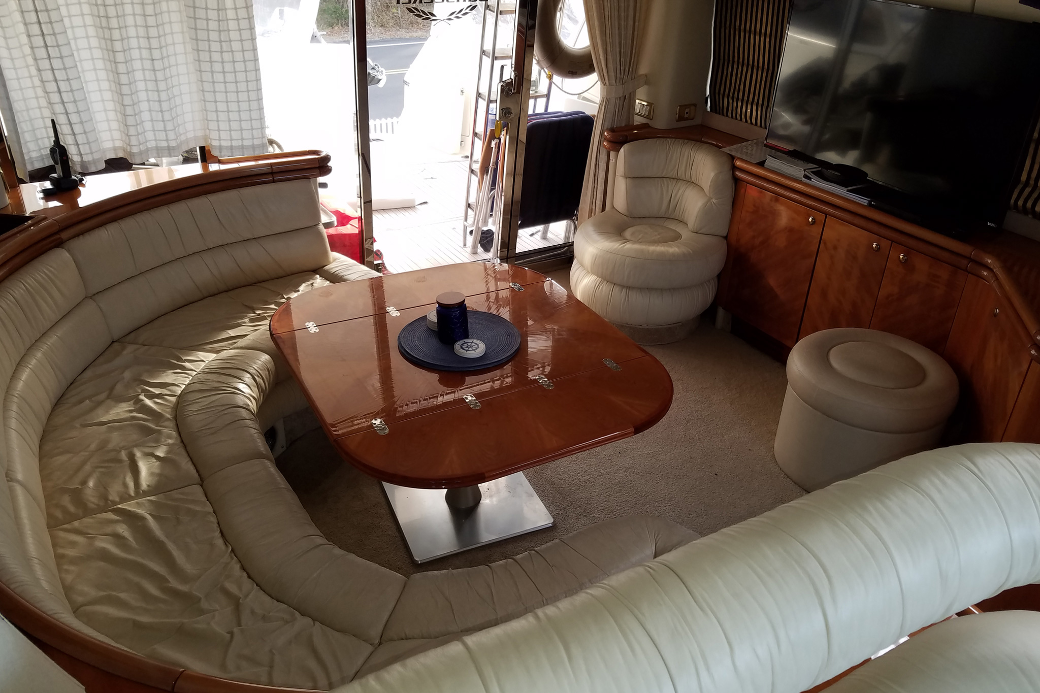 personalized-yacht-charters-05
