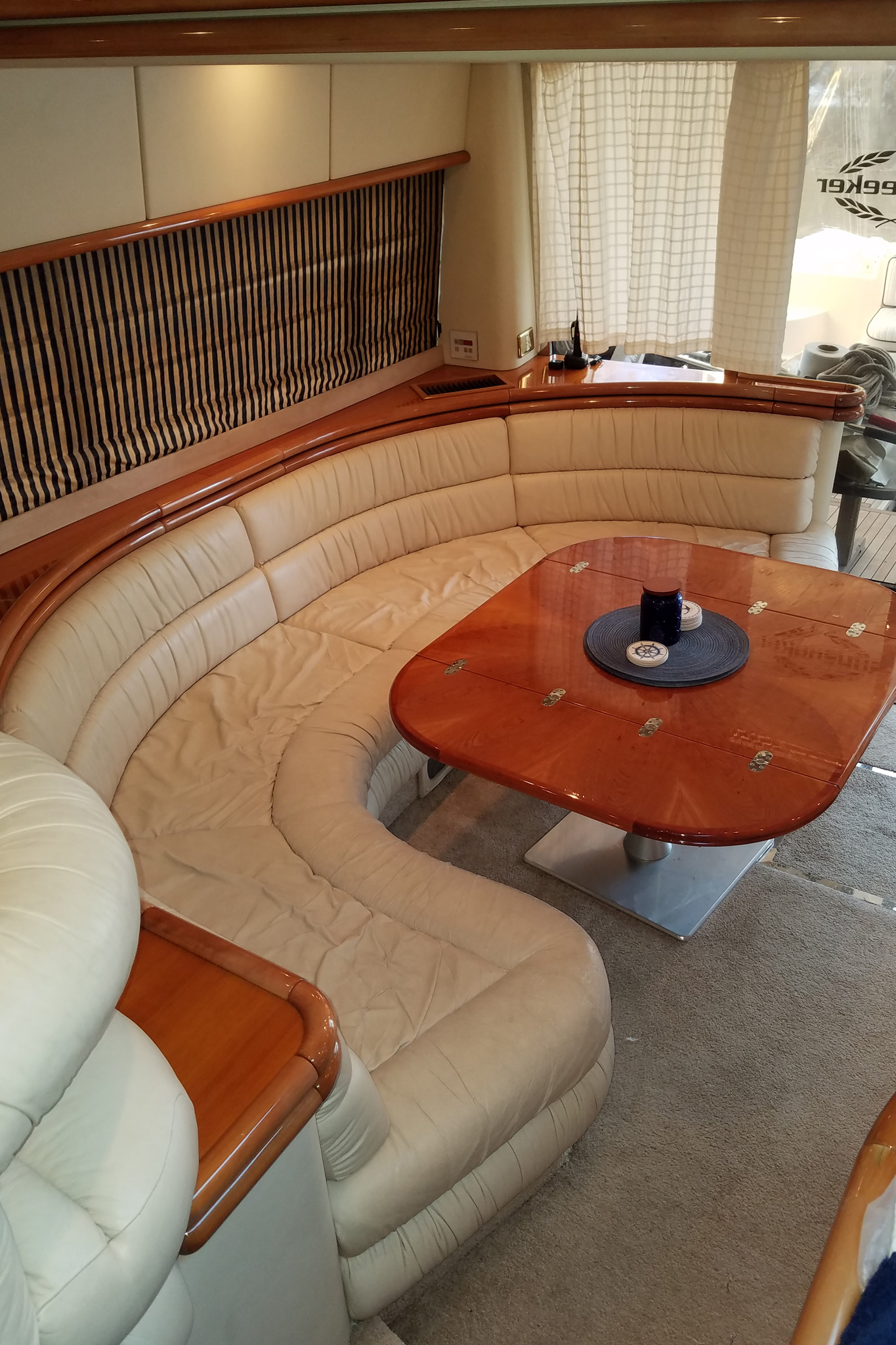 personalized-yacht-charters-08