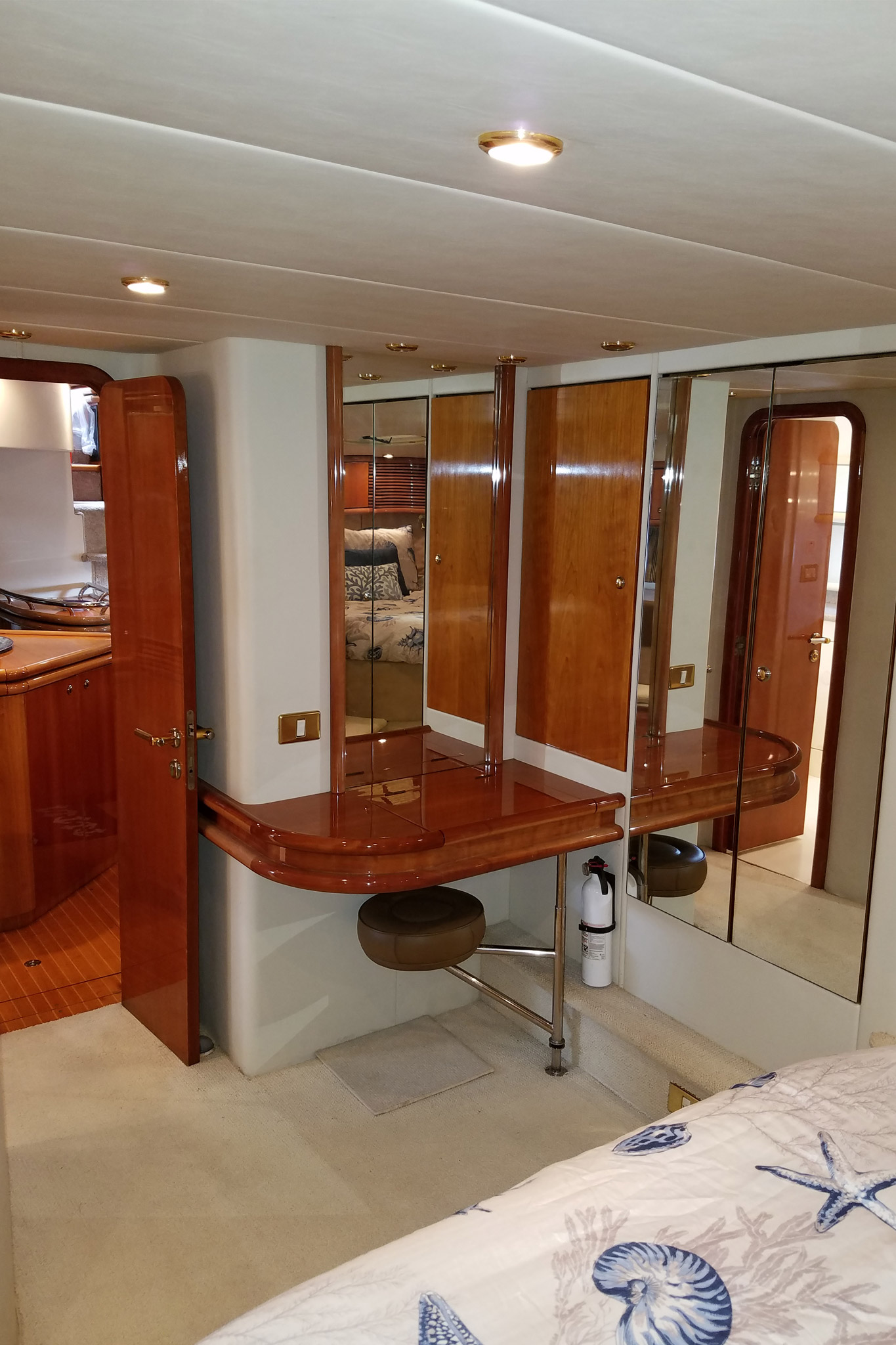personalized-yacht-charters-27