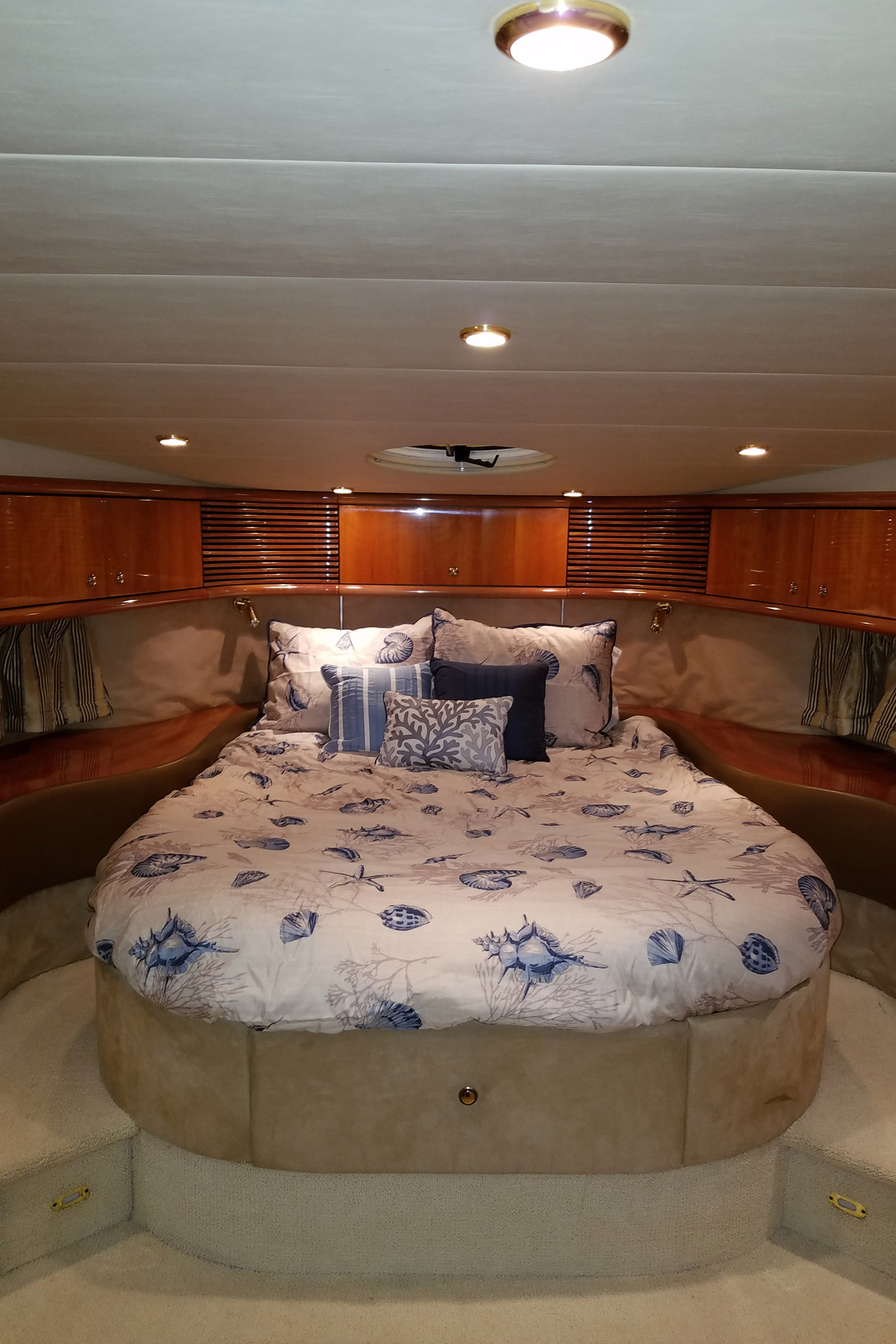 personalized-yacht-charters-28