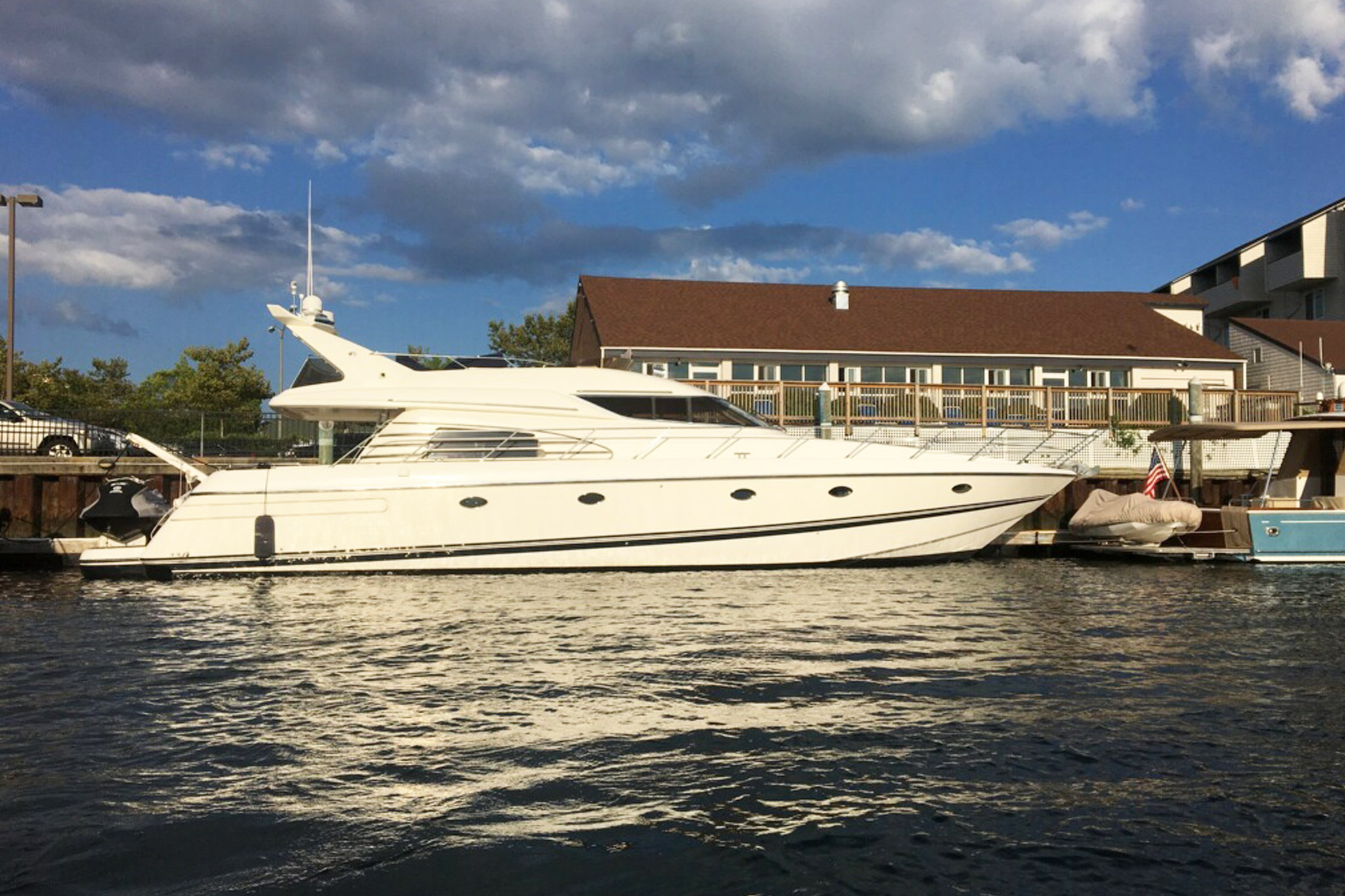 personalized-yacht-charters-30